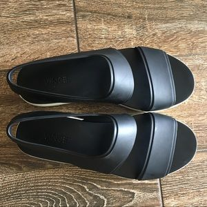 VINCE. waterproof Eres flatform sandals